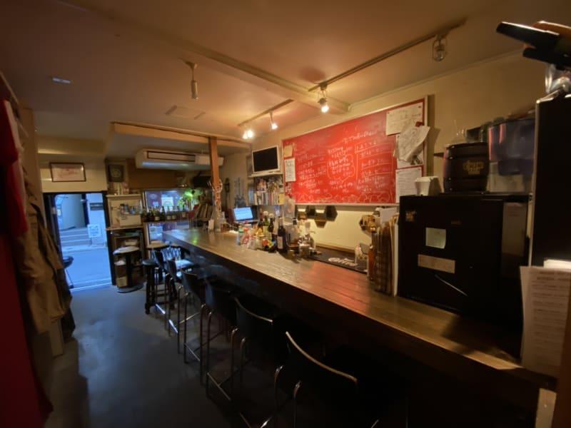 Kita-shoku ワインバー2Fワークスペースの室内の写真