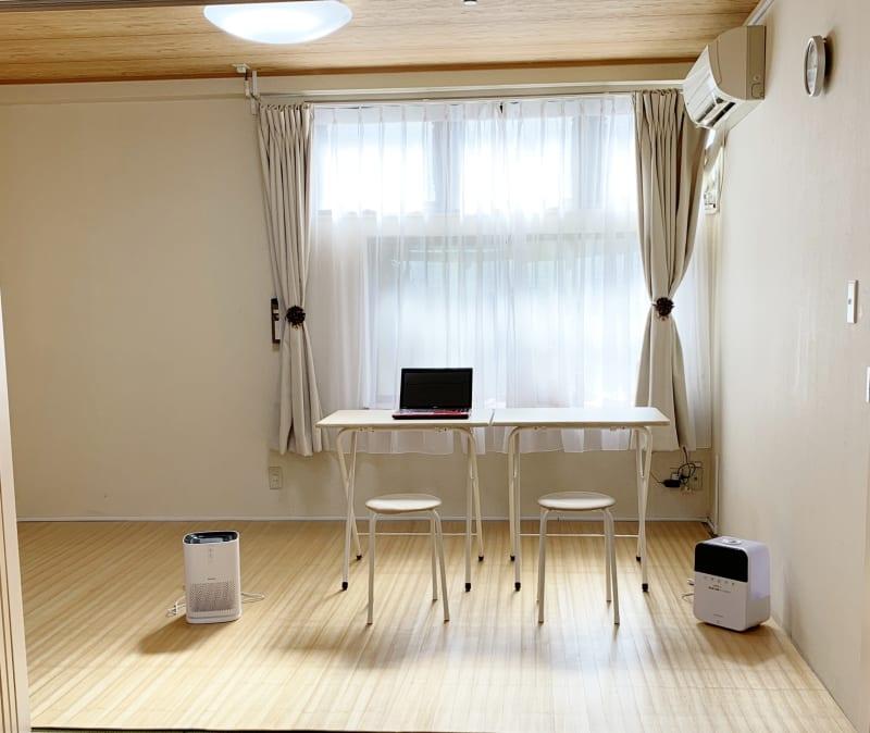 セキュリティの高いwi-fi無料 机、イス レンタル無料 - レンタルスペース Mermaid (ルームB)7畳フローリングの室内の写真