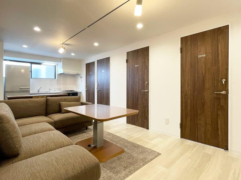 ソファ・昇降機能付きリビングダイニングテーブル - techhouse.tokyo 2階の室内の写真
