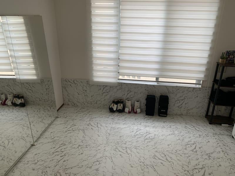 フリースペース - パーソナルジムFOCUS 完全プライベートジムFOCUS の室内の写真