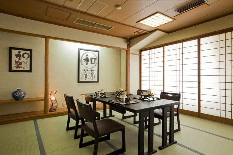 大和屋本店 和室スペース(2名~10名用)の室内の写真