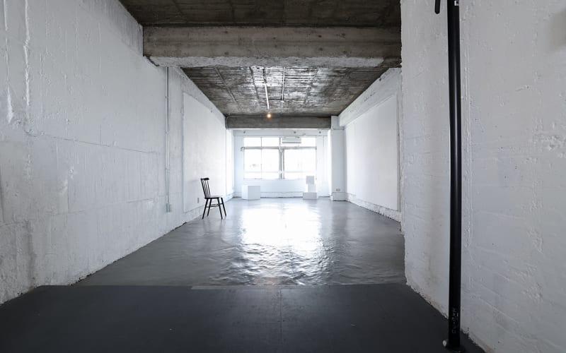 レトロマンションの一室にある白い空間 - Y4 STUDIO 代々木 撮影スタジオ&ギャラリーの室内の写真