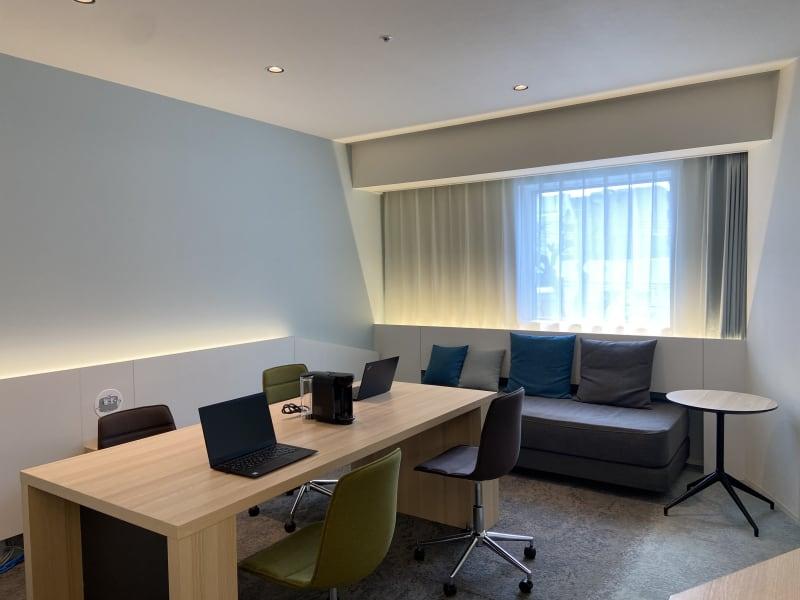 テンザホテル札幌 テレワーク用客室の室内の写真