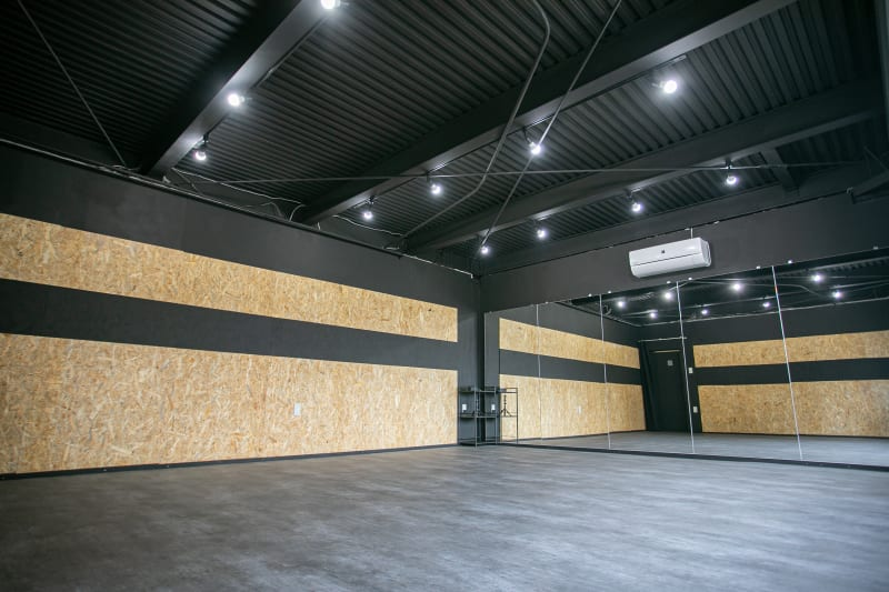 NEOVOX京橋店の室内の写真