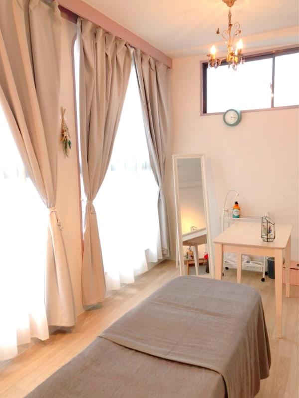 日当たりが良く明るいお部屋です - reimei Kunitachi レンタルサロンの室内の写真