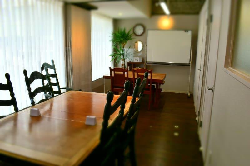 ルームA+B(10席) - シェアースペース アウトサイダー レンタルスペース(ルームA+B)の室内の写真