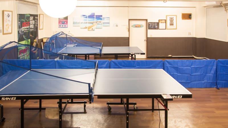 卓球台2台 - MOANA目白店 練習会や講習会等にぴったり!!の室内の写真