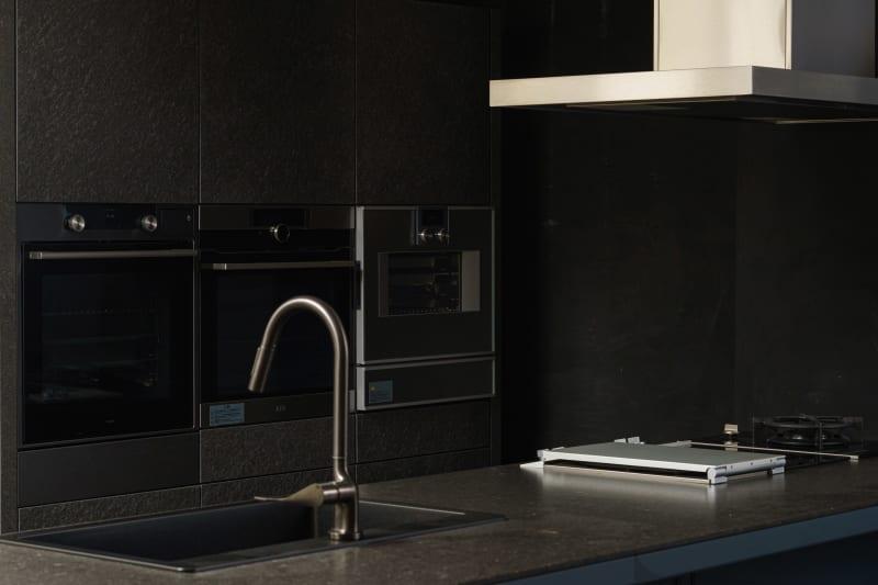 スタイリッシュでお洒落なキッチンなので、撮影にも映えます。 - KLASI COLLEGE 土日祝利用 レンタルキッチンの室内の写真