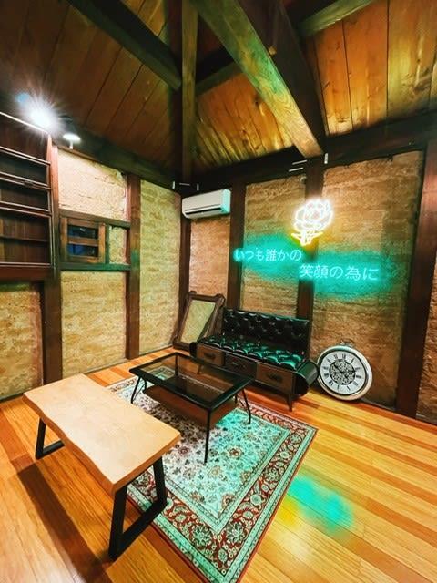 2階にもスペースありますのでご利用ください! - studio Kami/co アートスペースの室内の写真