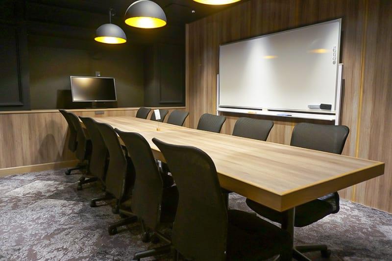 12名様向けの完全個室です。 - Basis Point上野店 12名用会議室 (Room B)の室内の写真