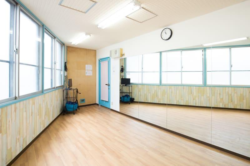 スタジオディライツ レンタルダンススタジオA 北浦和の室内の写真