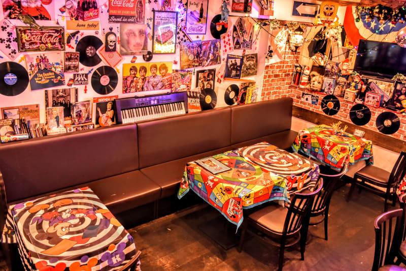 席のレイアウトも自由に変更できます。 - ウツボーノ レンタルカフェ&キッチンの室内の写真
