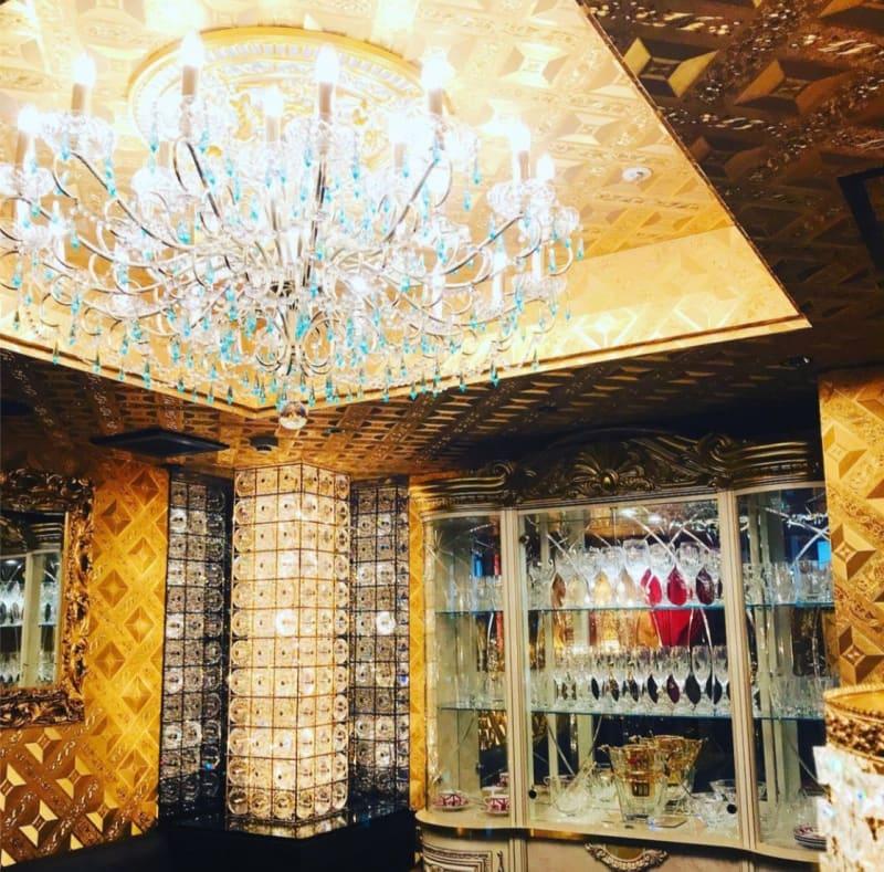 豪華なVIPルーム - レジェンド愛 店内の室内の写真