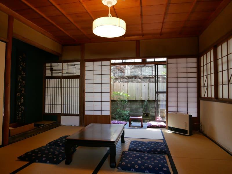 橋端家旅音 和室の室内の写真