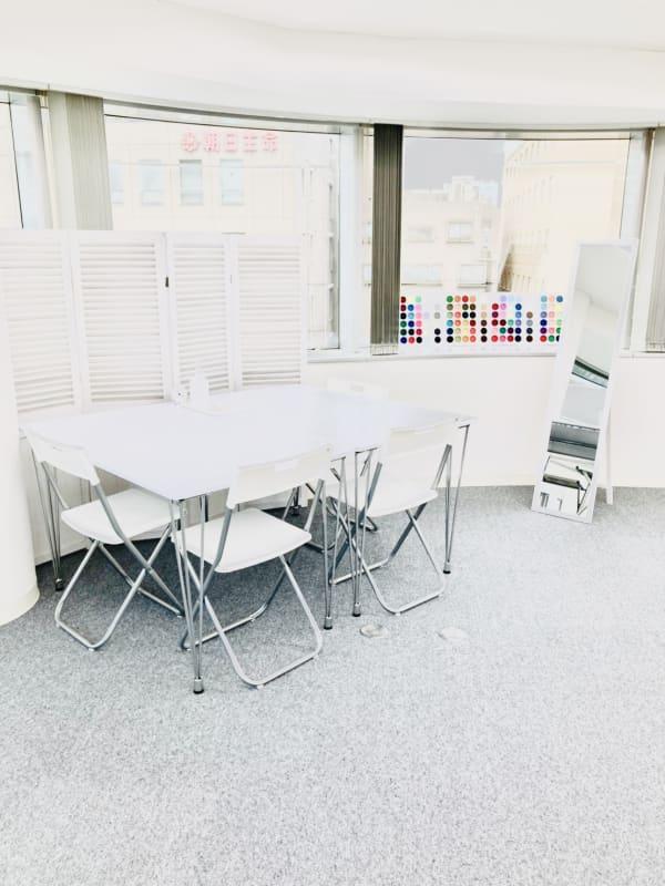 白を基調とした明るいお部屋です - 馬喰町base サロンスペース、動画撮影スペースの室内の写真