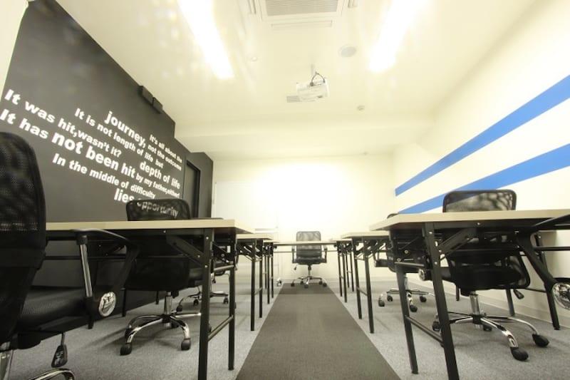 ビジネスセンター四谷 zoom会議室の室内の写真