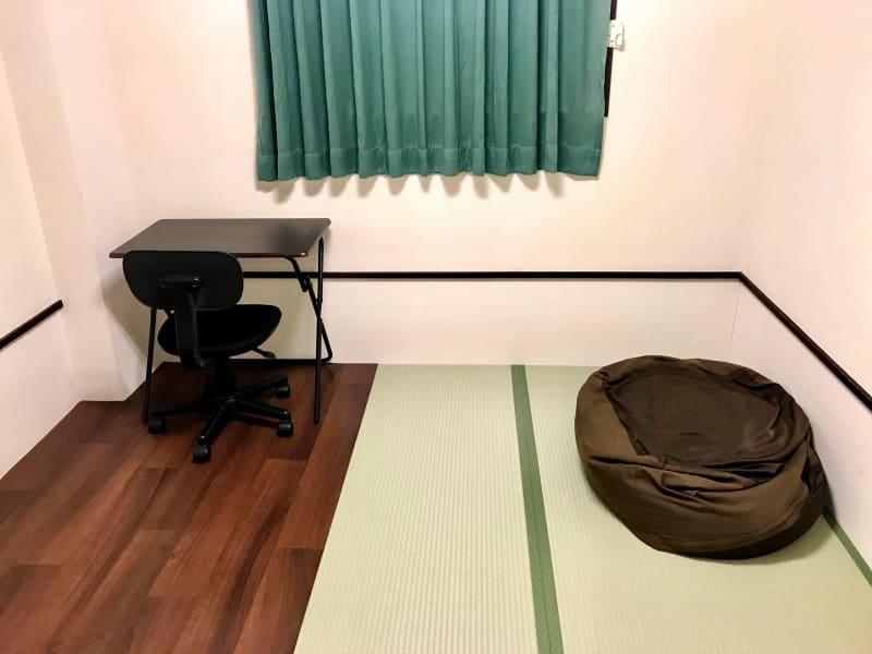 ホテル東洋 ワーキングスペース和111の室内の写真