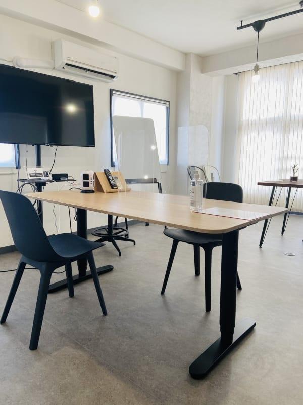 明るく広く開放的で業務に集中出来ます! - MinamiUrawaPlaceの室内の写真