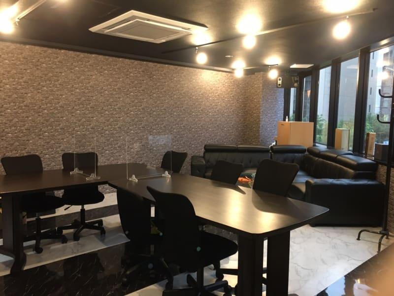 カラオケ、レンタルオフィスJin 会議室、打ち上げの室内の写真