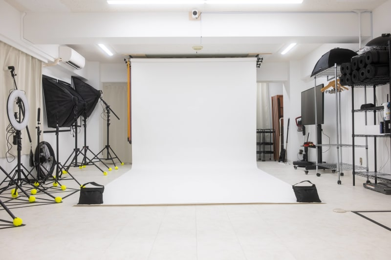 いつもきれいなペーパーは10色全色使いたい放題!撮影機材も豊富です。 - studio valko スタジオ valko 横浜の室内の写真