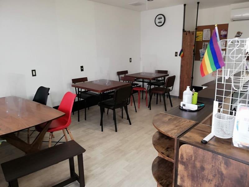 出入口を入ってすぐのレイアウトです - カフェ マテリオライフ 貸切カフェ・飲食店の室内の写真