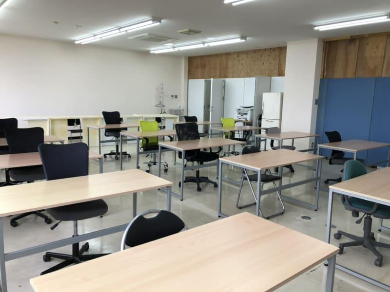 キャピタル中山 2-C会議室の室内の写真