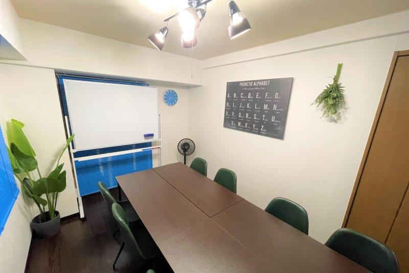 マイスぺ24 京橋スペース レンタルオフィス 貸会議室 テレワークスペースの室内の写真