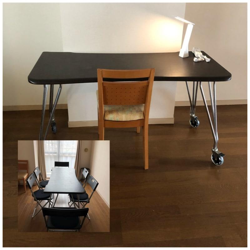 机はとても使いやすくキャスター付きでテレワークなど、場所の移動が簡単です。ストッパー付き。 広々とした空間で、様々な椅子配置もできます。 - シンプルな多様スペースahacu 使いやすい多目的スペースの室内の写真