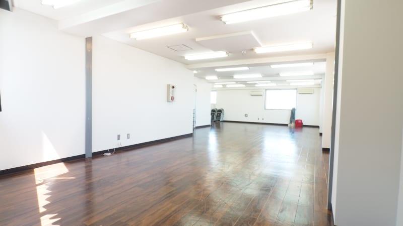 FARスタジオ 稽古場の室内の写真