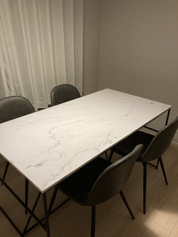貸会議室en.beaute 駅近完全個室ワーキングスペースの室内の写真