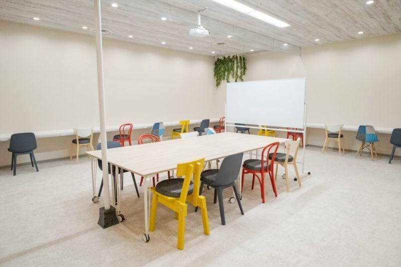 約60㎡のオープンスペース - いいオフィス神戸byKT-joy 多目的スペース・セミナー会場の室内の写真