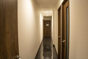 SBL烏丸会議室 2F 中会議室① 【24名様】の入口の写真