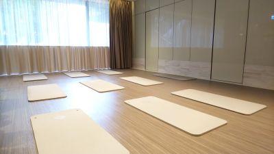 medifit ストレッチエリアの室内の写真