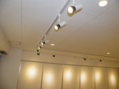 スペースコウヨウ 3階貸しギャラリー 貸し会議室の室内の写真