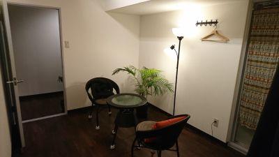 LaCuza谷町六丁目駅前 サロン内の個室【女性施術者専用】の室内の写真