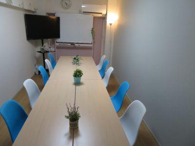 ☆FEEL 本町 -貸し会議室 貸し会議室 ☆FEEL 本町の室内の写真
