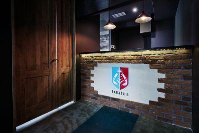受付 - RANA TAIL 南森町 南森町駅から徒歩5分の会議室の室内の写真