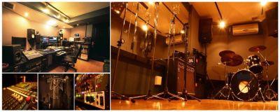 レヴォリューションスタジオ 音楽スタジオの室内の写真