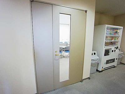名古屋会議室 法研中部久屋大通店 第1会議室の入口の写真