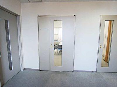 名古屋会議室 法研中部久屋大通店 第3会議室の入口の写真