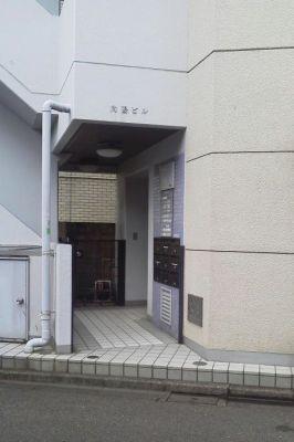 スペースコウヨウ 3階貸しギャラリー 貸し会議室の入口の写真
