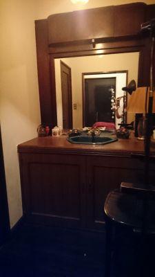 本格アンティークなスペース レンタルスペースの室内の写真