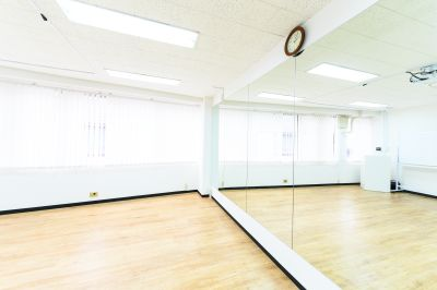 ワン・デイ・オフィス 第2会議室 会議室【ダンススタジオレンタル】の室内の写真