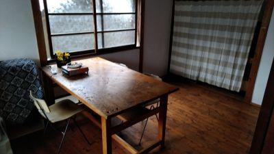 サブスペース6畳板張り こちらも料金内でお使いいただけます - 地酒処つぼみ屋 フリースペースの室内の写真