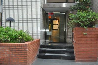 アントレオフィス四ツ谷六番町 貸し会議室(3階 9名用)の外観の写真
