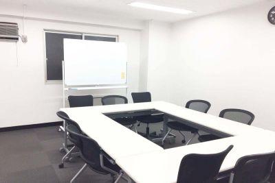 秋葉原レンタルスペース貸会議室 会議室の室内の写真