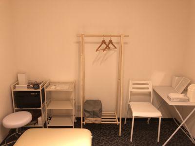 LQ天神橋三丁目ヨガスタジオ 2階まんなか個室(セラピー室)の室内の写真
