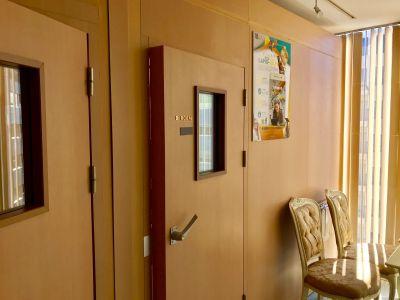 フィアルサロン(南青山) 防音室【ピアノ】WIFI無料の入口の写真