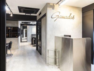 Gamadas(ガマダス) 美容室、サロンスペースの室内の写真