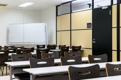 ワン・デイ・オフィス 第2会議室 会議室【都内24H会議室】の室内の写真